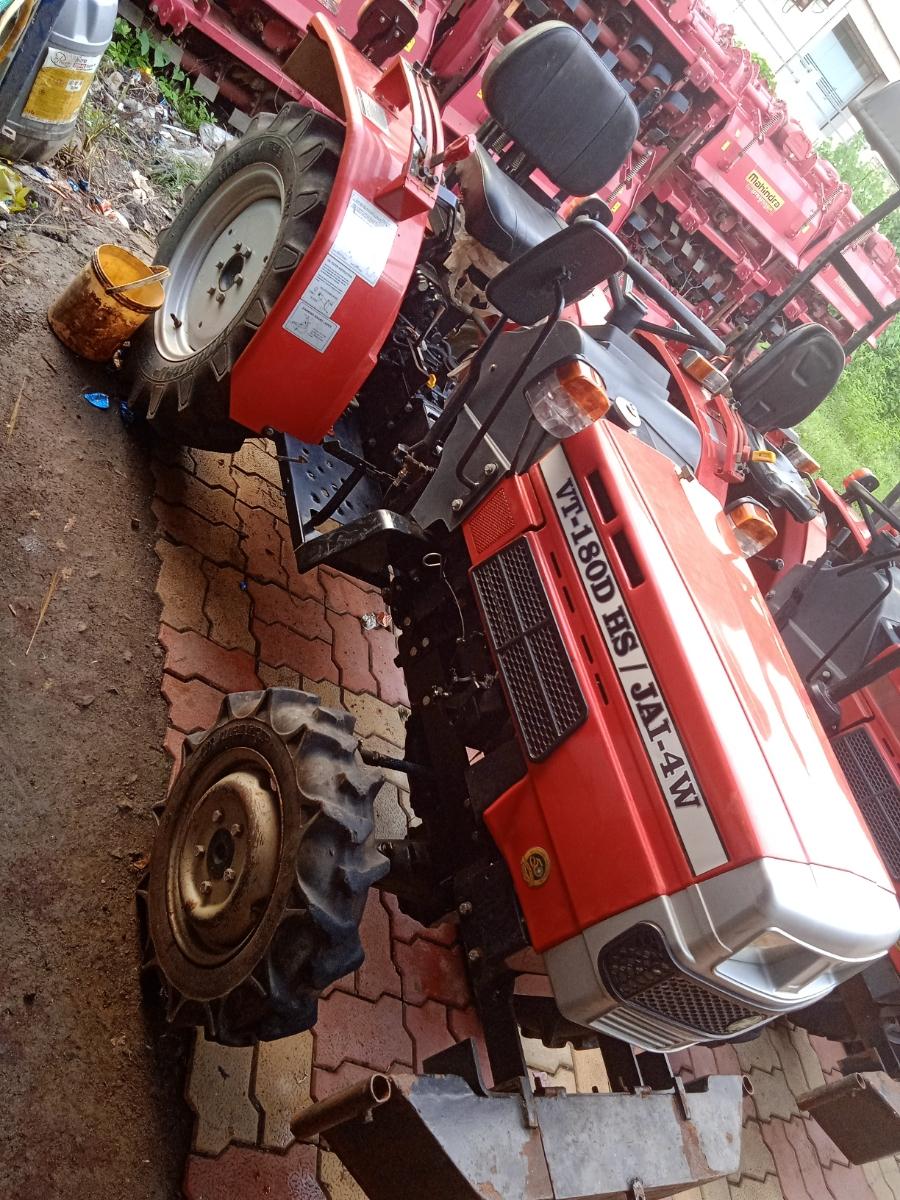 VST 180 4WD